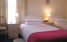 Aghadoe-House-bedroom