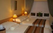 cashel-lodge-bedroom
